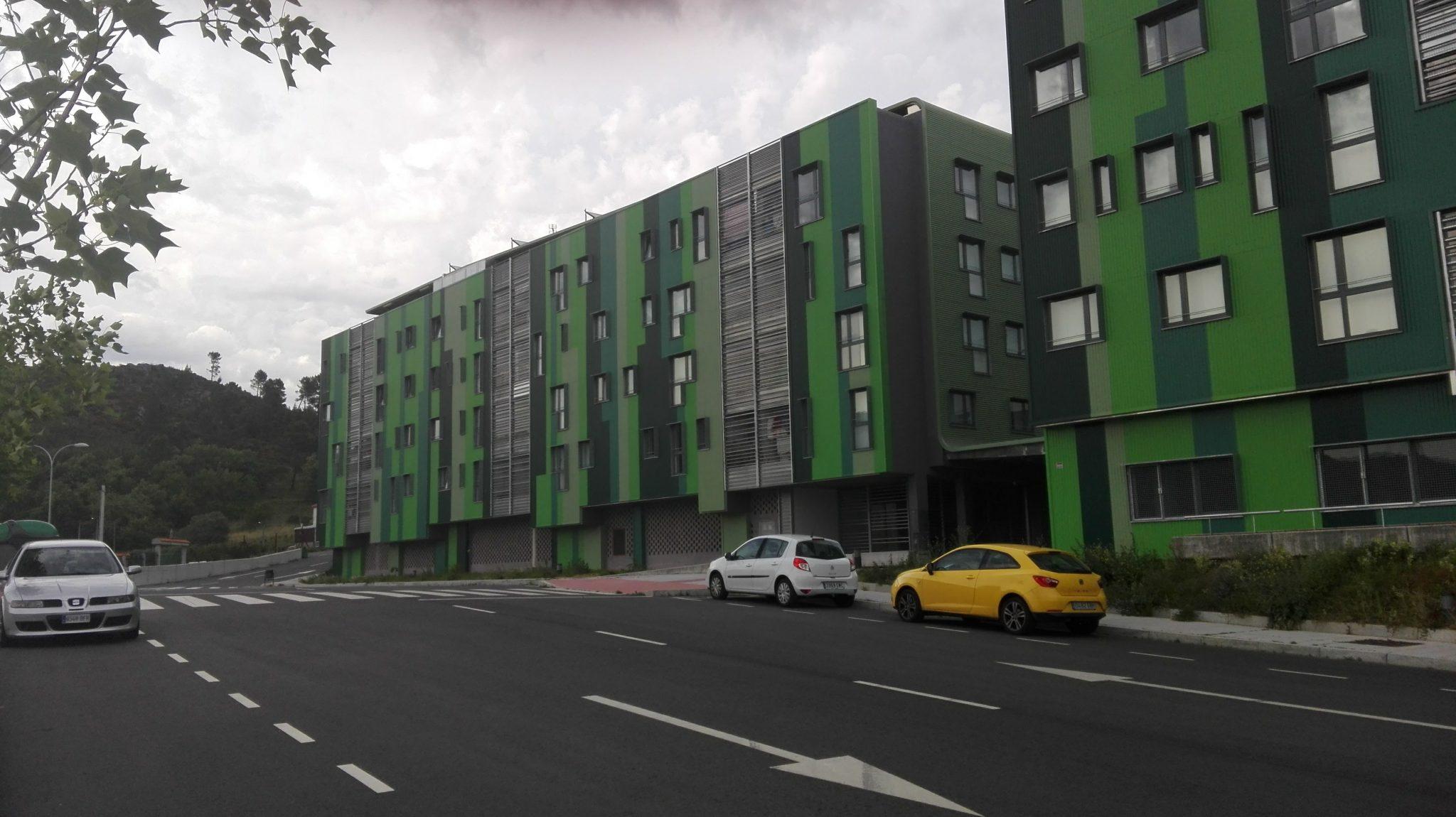 Residencial - Edificación - Construcción de 52 viviendas en Covadonga, Ourense